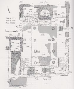 Excavation plan Onn 1994: 118,  courtesy of the Israel Antiquities Authority © <i> synagogues.kinneret.ac.il </i>