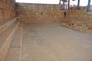 General view looking west -Gilead Peli all rights reserved  © <i> synagogues.kinneret.ac.il </i>