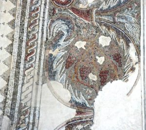 Fragment of mosaic, The Museum of the Good Samaritan, Gilead Peli all rights reserved © <i> synagogues.kinneret.ac.il </i>