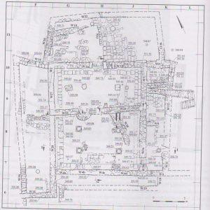 תוכנית החפירות, חכלילי 2013, 82. ציור-נטשה זאר, רשות העתיקות. באדיבות רחל חכלילי. © <i> synagogues.kinneret.ac.il </i>