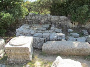 The bema, looking south, Gilead Peli all rights reserved © <i> synagogues.kinneret.ac.il </i>
